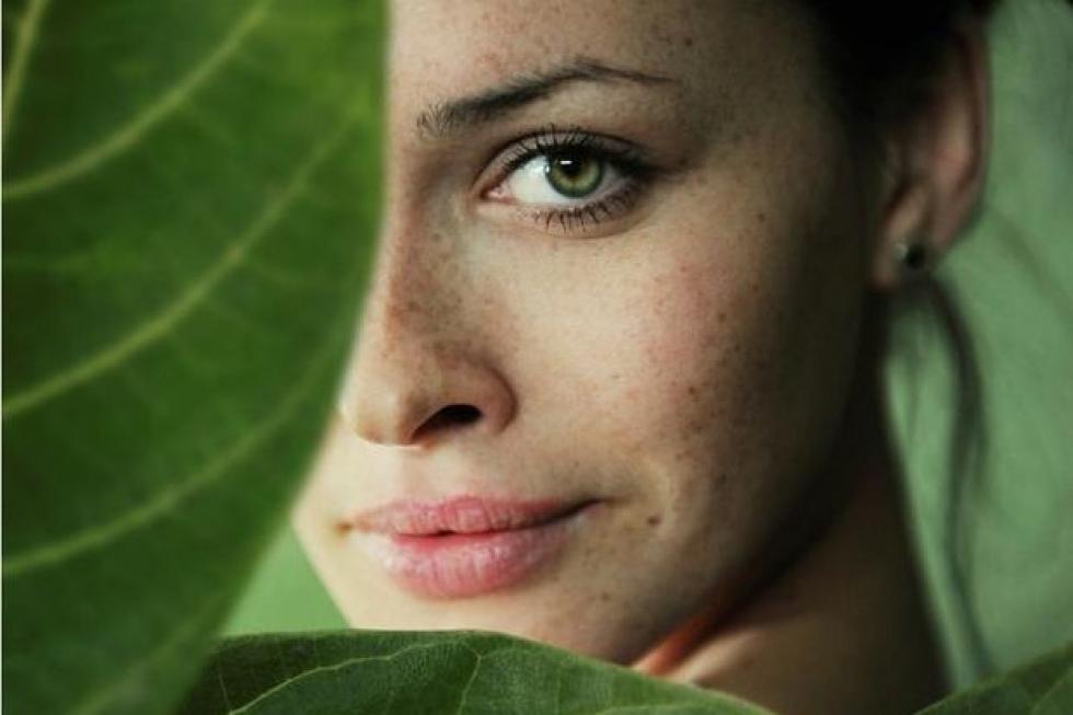 Manchas en la piel: Arbutina vs Hidroquinona